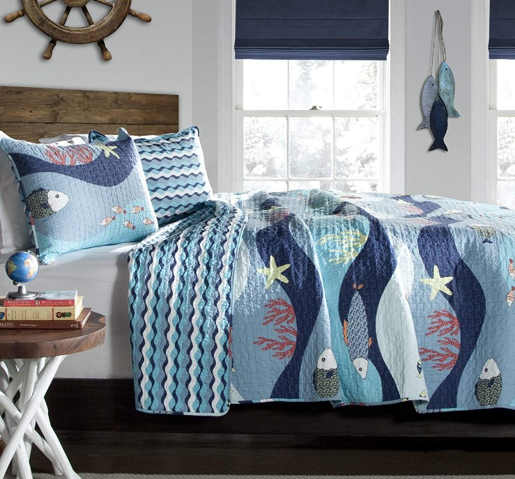 Lush Decor Sealife Reversible 2 Piece Blue Quilt Bedding Set