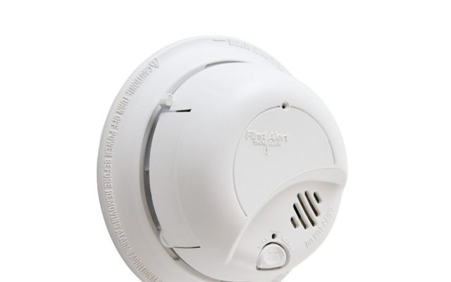 First Alert Smoke Detector Alarm with Backup Battery
