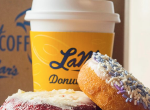 lamars donuts free donut for mothers day