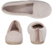 Dearfoams Women's Rebecca Microfiber Velour Closed Back Slipper $13.24 (REG $26.00)