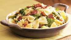Spinach and Bacon Mac and Cheese Recipe!