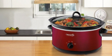 Crock-Pot 7-Quart Slow Cooker only $3.99 shipped (90% off)