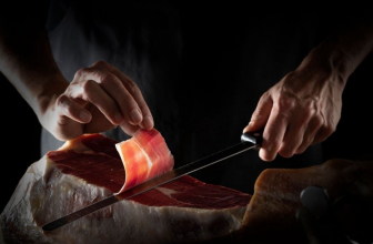 How to keep your kitchen knives razor-sharp?