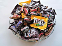 Be a Spooky Season Saver: 11 Ways to Save on Halloween Candy